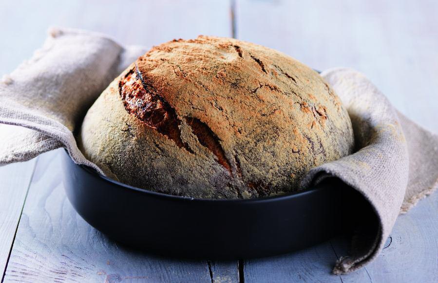 Пивной хлеб в чугунном горшке