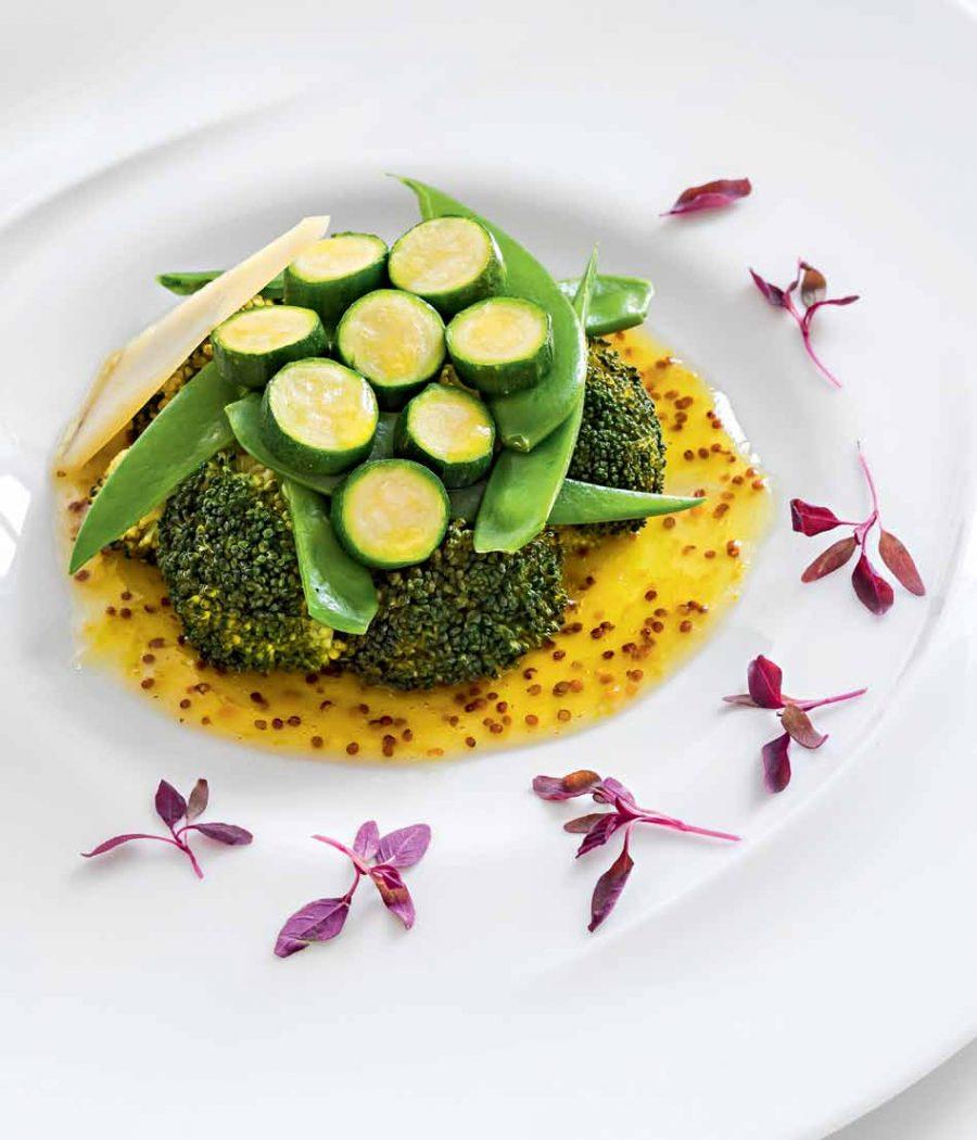 Салат из зеленых овощей